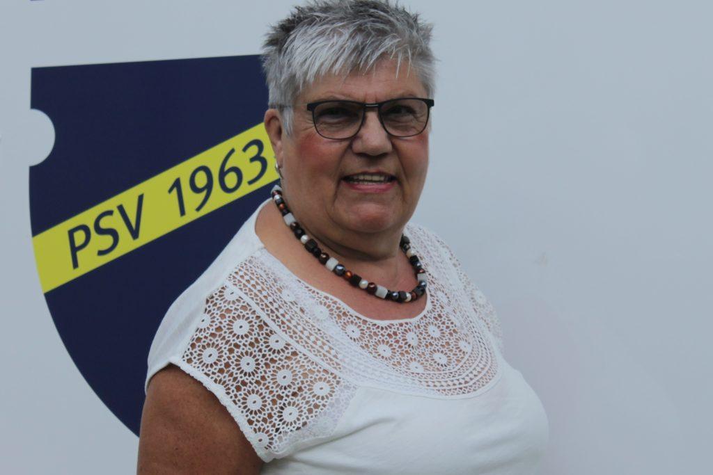 Anneliese Chatenay ist Beisitzerin für das Archiv und die Historie des Postsportverein Remagen.